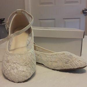 David's Bridal girl flat shoes